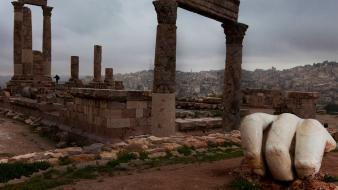 Ruins fingers national geographic roman empire Wallpaper