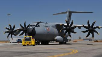 Propeller airforce airfield a400m logistic transport plane wallpaper