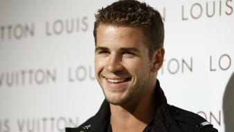 Liam hemsworth smile wallpaper