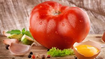 Eggs food lettuce tomatoes vegetables wallpaper