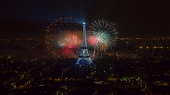 Eiffel tower paris fireworks wallpaper