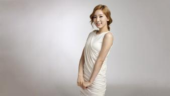 Korean singers kim taeyeon k-pop simple background wallpaper