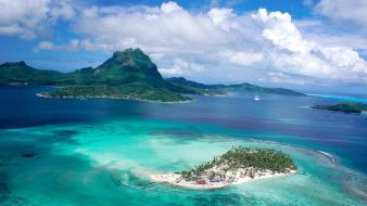 Emerald french polynesia tahiti archipelago bay Wallpaper