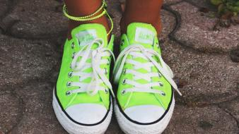 Green feet shoes converse all star body parts Wallpaper