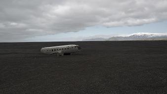 Abandoned aircraft crash wallpaper