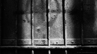 Black and white metallic rust rusted bars wallpaper