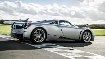 Cars pagani huayra wallpaper