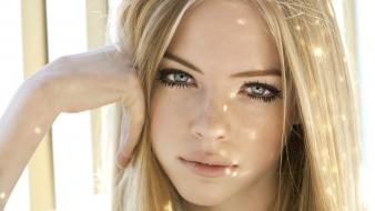 Gray faces hands on face skye stracke wallpaper