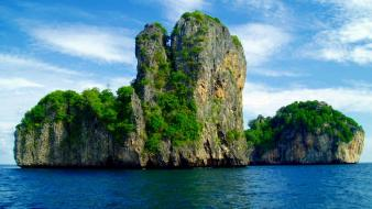 Thailand brown clouds green islands wallpaper