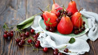 Berries pears wallpaper