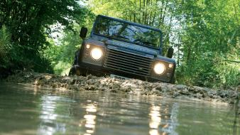 Land rover defender offroad water wallpaper