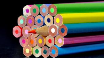 Colored pencils colors wallpaper
