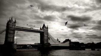 London cityscapes monochrome rivers Wallpaper