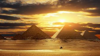 Beautiful pyramids pictures wallpaper