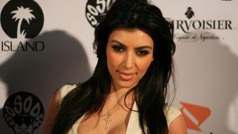 Kim kardashian 2013 Wallpaper