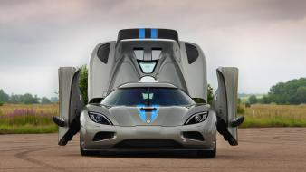 Koenigsegg agera cars front view open doors Wallpaper