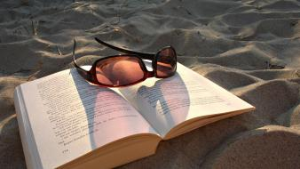 Beaches books holidays reading sunglasses wallpaper