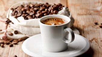 Blurred background coffee beans cups drinks wallpaper