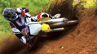 Suzuki Motocross Bike Race wallpaper
