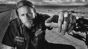Charlie hunnam sons of anarchy actors celebrity wallpaper