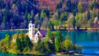 Hous lake bled water wallpaper