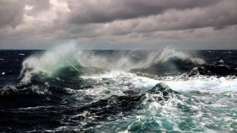 Sea storm waves wallpaper